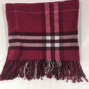 Burberry Accessories - Burberry hat/scarf